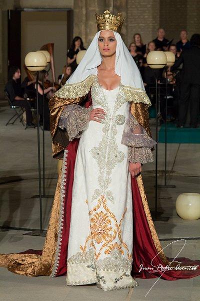 Desfile 'La Sevilla de Santa Teresa, el esplendor de la Urbe'